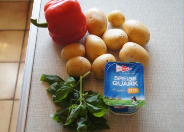 Quark mit Paprika, Basilikum und Pellkartoffeln - Rezept - Bild Nr. 2