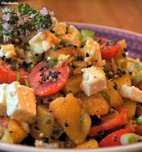 Bratkartoffelsalat mit Feta und Ahornsirup-Dressing - Rezept