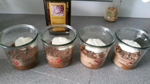 Schichtdessert ein Küchenunfall par exellence (Schoko-Biskuit) - Rezept - Bild Nr. 11
