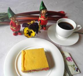 Kleiner Erdbeer - Rhabarber - Kuchen ... - Rezept