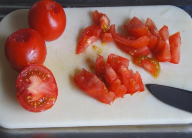 Pazifik Wildlachsfilet mit Pellkartoffeln und Tomaten-Gurken-Salat - Rezept - Bild Nr. 7
