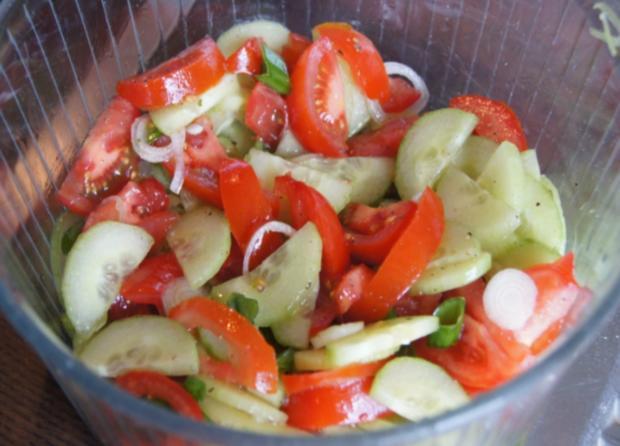 Pazifik Wildlachsfilet mit Pellkartoffeln und Tomaten-Gurken-Salat - Rezept - Bild Nr. 10