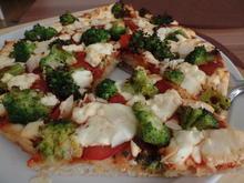 Brokkoli-Pizza mit Feta - Rezept