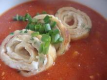 Tomatenragout-Süppchen mit Mascarpone-Kräuterflädle - Rezept