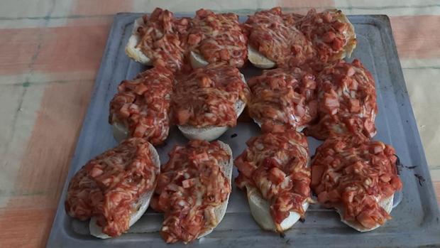Super einfache & leckere Pizzabrötchen - Rezept