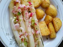 Spargel mit Radieschen-Vinaigrette und neuen Kartoffeln - Rezept