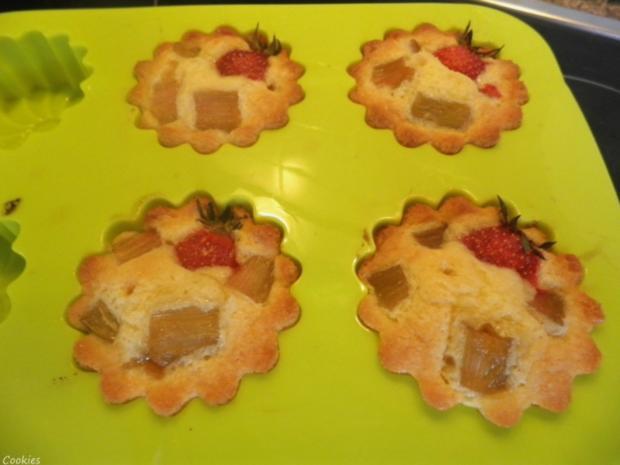 Mini - Erdbeer - Rhabarber - Kuchen - Rezept - Bild Nr. 6