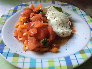 Melonen-Paprika-Salat mit Büffelmozzarella - Rezept - Bild Nr. 2