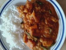 Gemüse in Curry-Erdnuss-Soße - Rezept