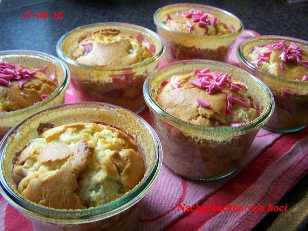 Rhabarberkuchen im Glas - Rezept - Bild Nr. 3