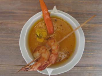 Sonnige Ingwer-Kürbissuppe mit gegrillter Gamba - Rezept