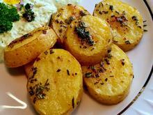 Ofenkartoffeln mit frischem Kräuter-Dip - Rezept