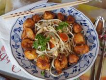 Hähnchenbrustfiletwürfel im Bierteig mit Chinesischen Nudeln und Gemüse - Rezept
