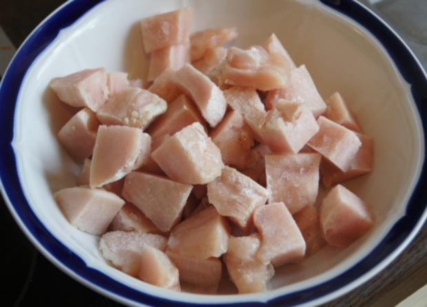 Hähnchenbrustfiletwürfel im Bierteig mit Chinesischen Nudeln und Gemüse - Rezept - Bild Nr. 8