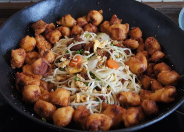 Hähnchenbrustfiletwürfel im Bierteig mit Chinesischen Nudeln und Gemüse - Rezept - Bild Nr. 14