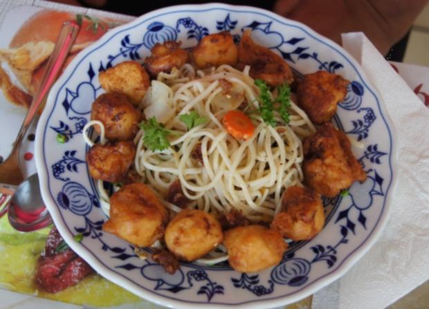 Hähnchenbrustfiletwürfel im Bierteig mit Chinesischen Nudeln und Gemüse - Rezept - Bild Nr. 16