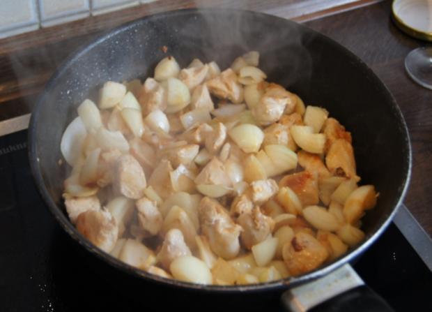 Hähnchenbrustfilet-Gulasch mit Pellkartoffeln - Rezept - Bild Nr. 26