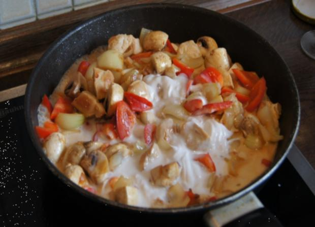 Hähnchenbrustfilet-Gulasch mit Pellkartoffeln - Rezept - Bild Nr. 38