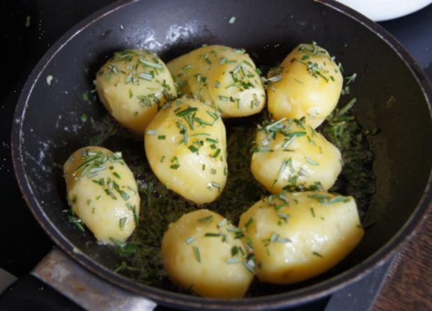 Rotbarsch-Filet mit Chinesischen-Gurkensalat und Rosmarin-Kartoffeln - Rezept - Bild Nr. 82