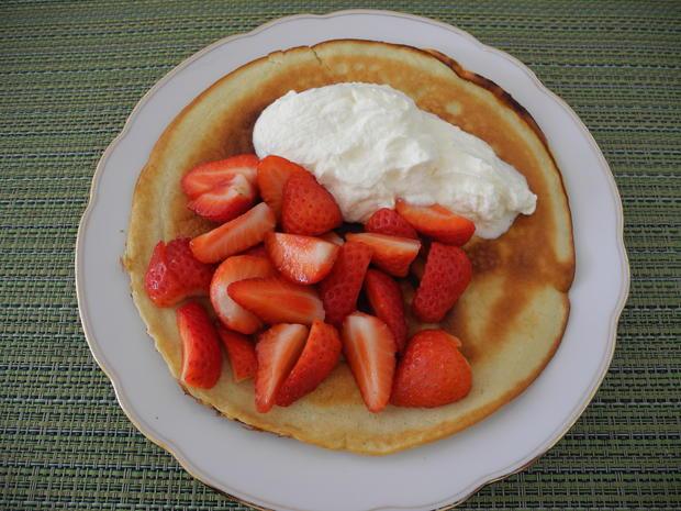 Kokos - Eier - Pfannkuchen mit Sahne und Erdbeeren - Rezept - Bild Nr. 71