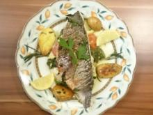 Orata al forno ripieno con spinaci e`pomodorini, con patate al rosmarino - Rezept