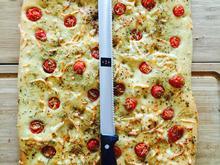 Focaccia mit Sherry Tomaten und Käse - Rezept