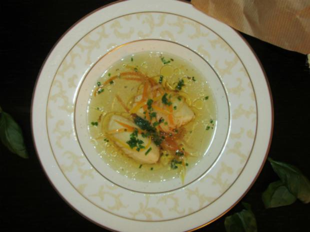 Rinderboullion mit Gemüsejulienne und Grießnockerl - Rezept