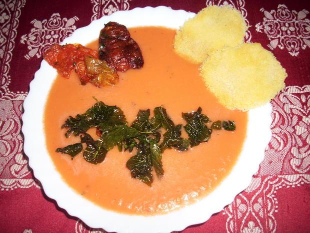 Gazpacho mit Melone - fruchtig pikant - Rezept