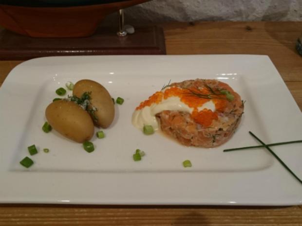 Fruchtiges Matjestartar mit Forellenkaviar und neuen Kartoffeln - Rezept