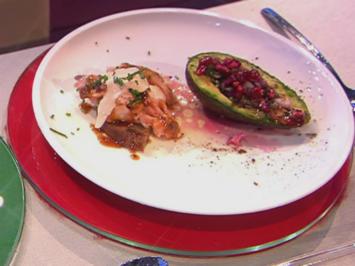 Rezept: Lachs vom Brett/Joghurt/Avocado (Blick über Hensslers Schulter)