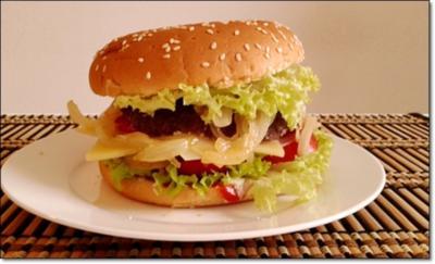 Saftiger Tiroler Adler Burger mit Ei im Patty - Rezept - Bild Nr. 145
