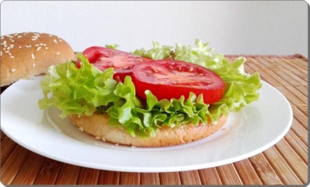 Mega Burger mit Bratwurstschnecke und… - Rezept - Bild Nr. 156