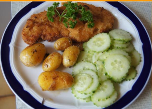 Wiener Schnitzel vom Schwein mit Mini-Rosmarinkartoffeln und Gurkensalat - Rezept - Bild Nr. 269