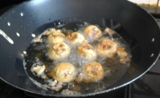 Chinesische Eiernudeln mit Gemüse süß-sauer und ausgebackenen Mettbällchen - Rezept - Bild Nr. 265