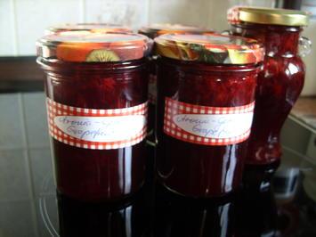 Rezept: Konfitüre & Co: Aroniagelee mit Grapefruit