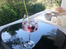 Beerenstarker Gin Tonic - Rezept