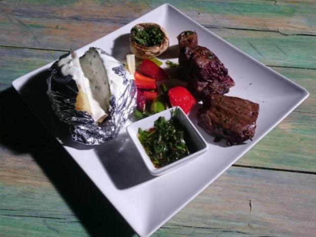Entrana, Chimmichurri & Co. mit Grillgemüse und Folienkartoffel - Rezept