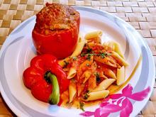 Gefüllte Paprika in fruchtiger Tomatensoße - Rezept - Bild Nr. 295
