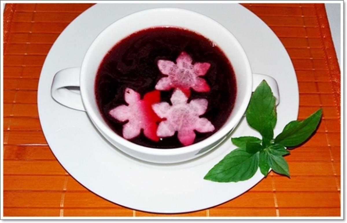 pikante rote bete suppe auf rindfleischbr he rezept. Black Bedroom Furniture Sets. Home Design Ideas