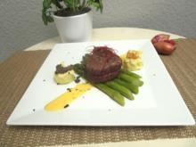 Getrüffelter Pastinaken-Kartoffelstampf mit karamellisiertem Spargel und Rinderfilet - Rezept - Bild Nr. 326