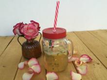 Sommerliche Zitronenlimonade mit Ingwerlikör - Rezept
