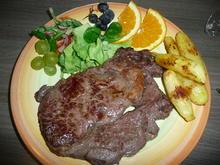 Entrecote mit Bamberger Hörnchen und gemischtem Salat. - Rezept - Bild Nr. 357