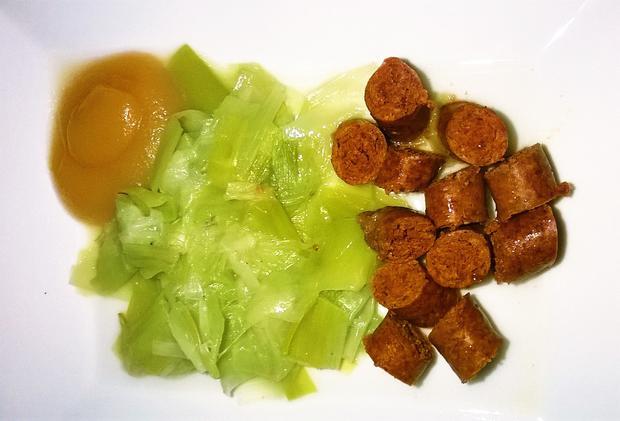 Merguez mit Lauchgemüse und Apfelmus - Rezept - Bild Nr. 356