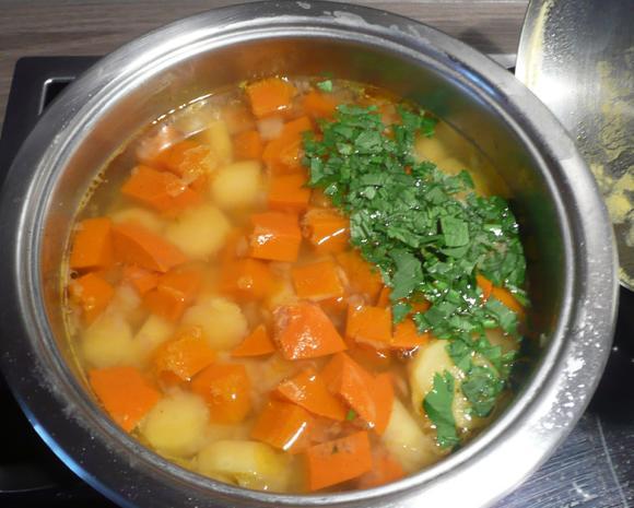 Kartoffel - Kürbisstampf zu Schweinebauch und sauren Bohnen. - Rezept - Bild Nr. 359