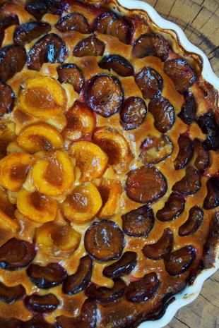 Zwetschgen-Aprikosen-Marzipan-Kuchen - Rezept