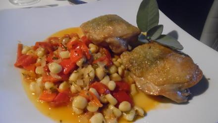 Fregola Sarda in Tomaten-Paprika-Gemüse mit Salbei-Hähnchen - Rezept - Bild Nr. 474