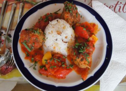 Hackfleisch-Bällchen in Paprika-Tomatengemüse mit Basmati-Mandelreis - Rezept - Bild Nr. 532
