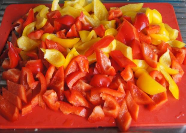 Hackfleisch-Bällchen in Paprika-Tomatengemüse mit Basmati-Mandelreis - Rezept - Bild Nr. 538