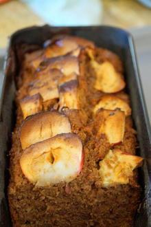 Apfelkuchen oder -brot; saftiger Rührkuchen - Rezept