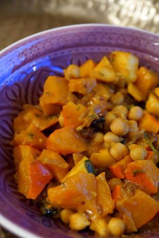 Herbstliches Kürbis-Apfel-Curry mit Kichererbsen - Rezept